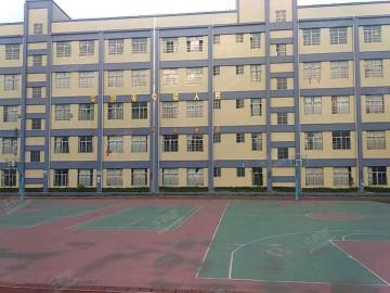 茶山镇中心小学